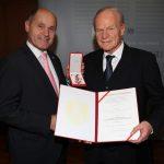 Goldenes Ehrenzeichen für Wolfgang Winheim